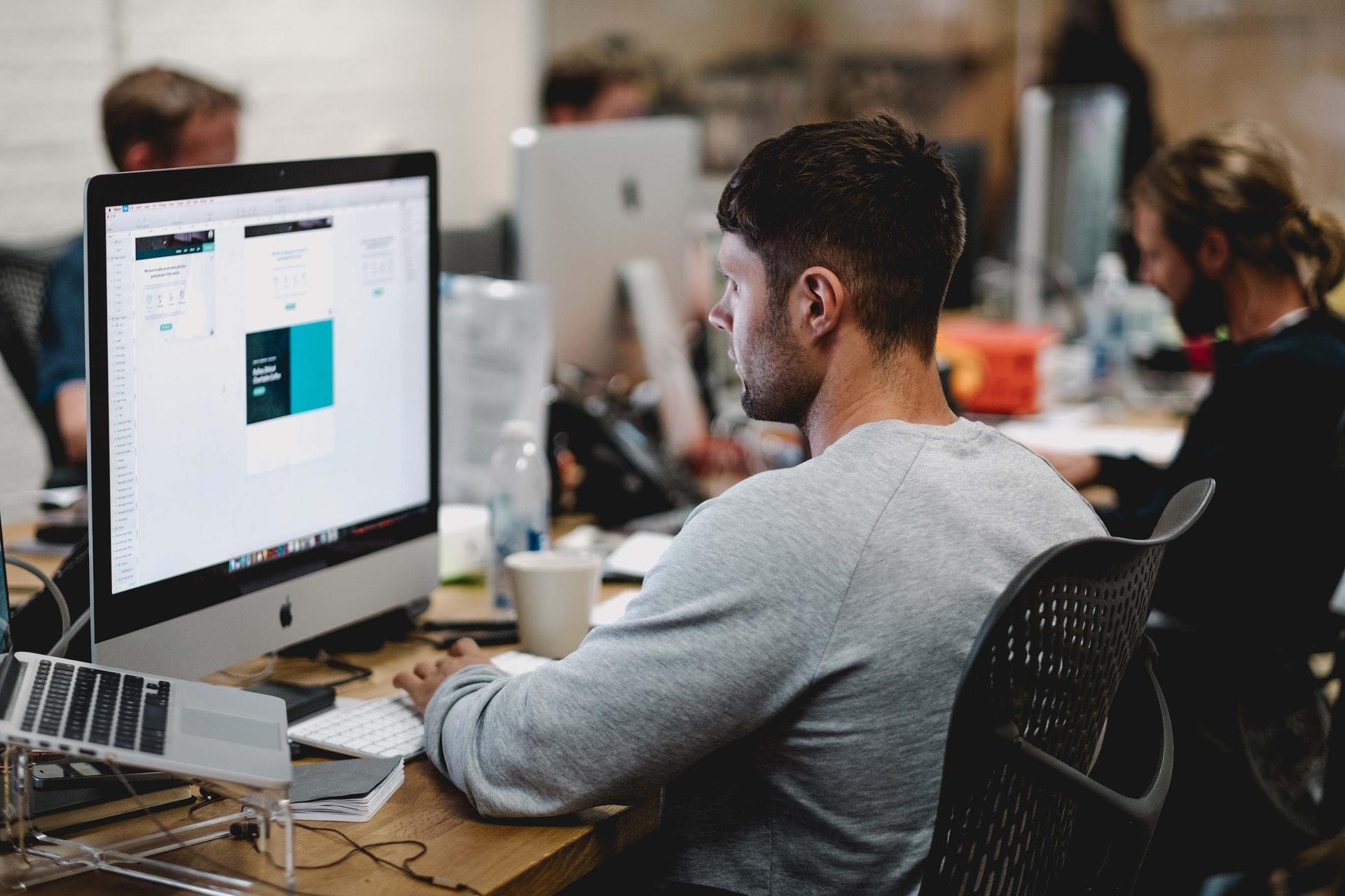 B2B e-handel: Hur det kan maximera effektiviteten i ditt företag genom att spara tid och pengar